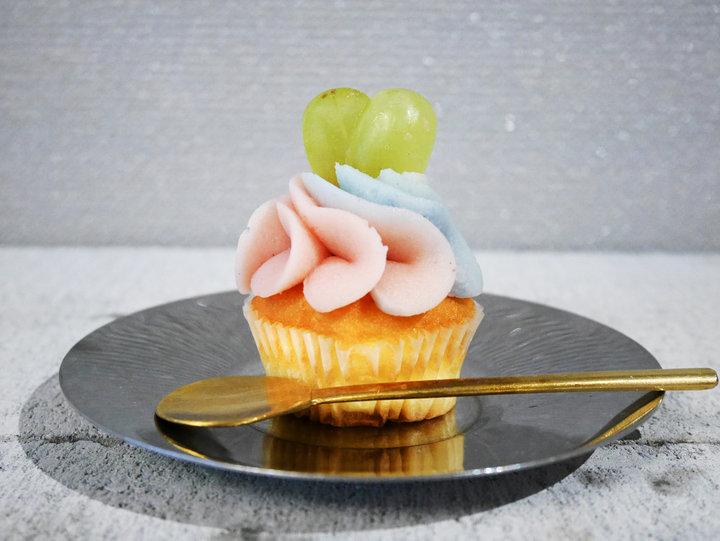 和素材も活躍、あんこを使ったカップケーキ