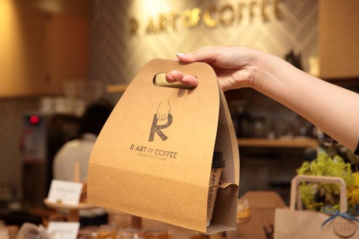 浅煎りから深煎りまで味わえる「R ART OF COFFEE」