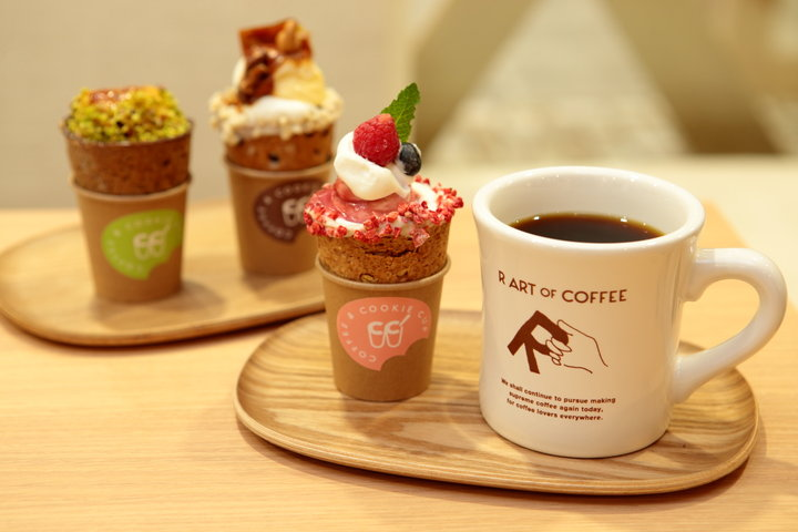 コーヒーと相性抜群。大人気スイーツ「クッキーコップ」