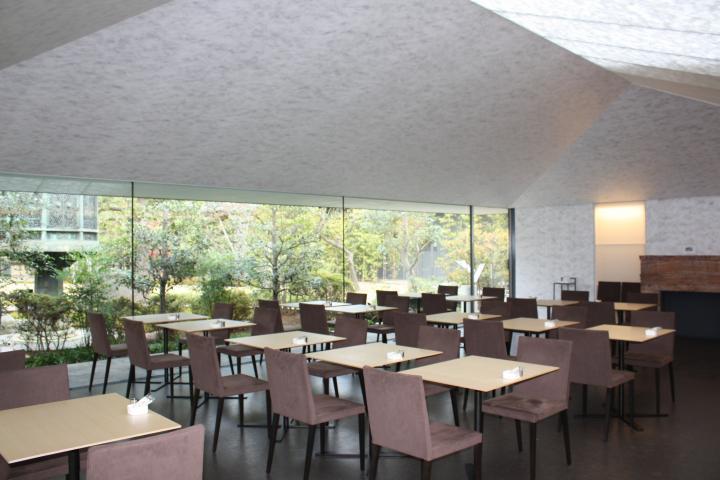 根津美術館に併設された「NEZU CAFÉ」