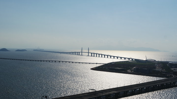 香港からわずか30~40分、24時間通行できる「港珠澳大橋」が便利