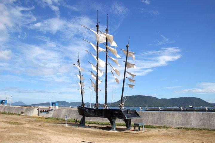 瀬戸内海に浮かぶ「女木島&男木島」、アートで島の魅力を楽しもう