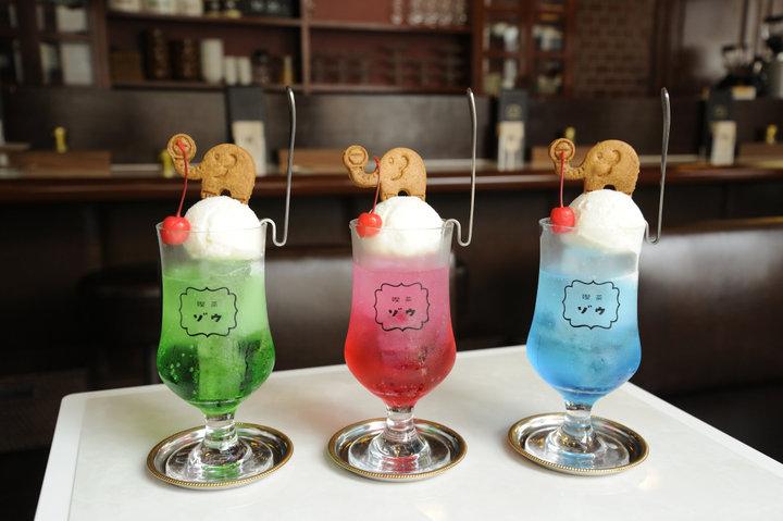 色鮮やかなクリームソーダにときめいて!
