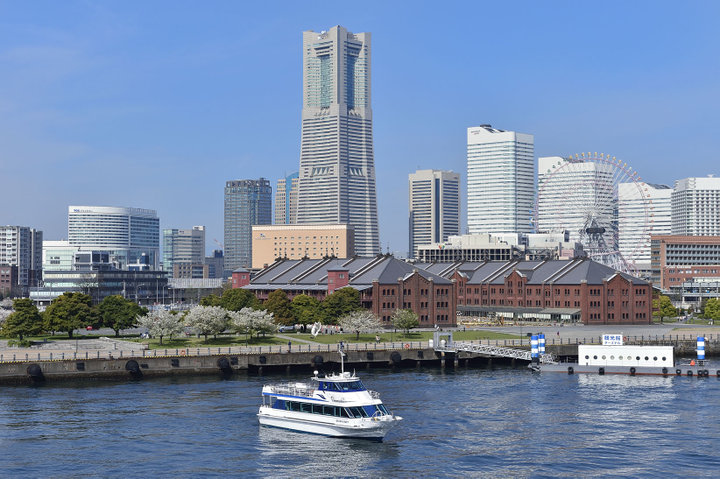 横浜の新しい楽しみ方を発見♪7つのフォトスポットを巡る船の旅「赤レンガcafeクルーズ」