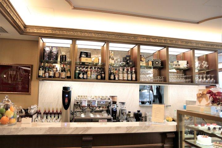 イタリアのカフェ文化を受け継ぐバーカウンター