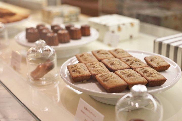 焼き立てが並ぶ、バター香る風味豊かな焼菓子