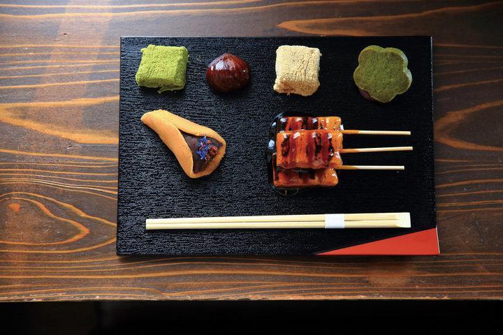 団子やあんこ菓子をワンプレートで「梅園 三条寺町店」