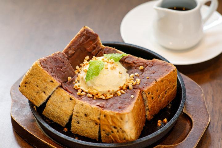 【丸の内駅】蔵にある隠れ家カフェ「喫茶ニューポピー」で自家焙煎コーヒーを