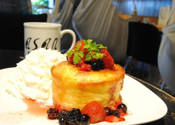 ハンモックカフェ「Cafe Asan」の40分かけて焼き上げる、ふわふわスフレホットケーキ