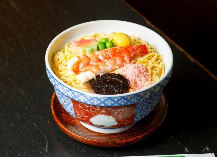 【第3位】京の冬のご馳走「蒸し寿司」が味わえる老舗の名店へ