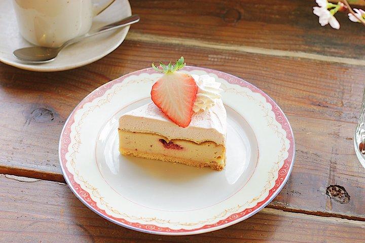 ケーキはベイクドとレアのダブル