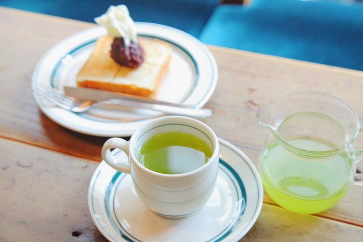 あんこもちのようなトーストをシングルオリジンの緑茶とともに/西荻窪の日本茶カフェ「Satén Japanese tea」