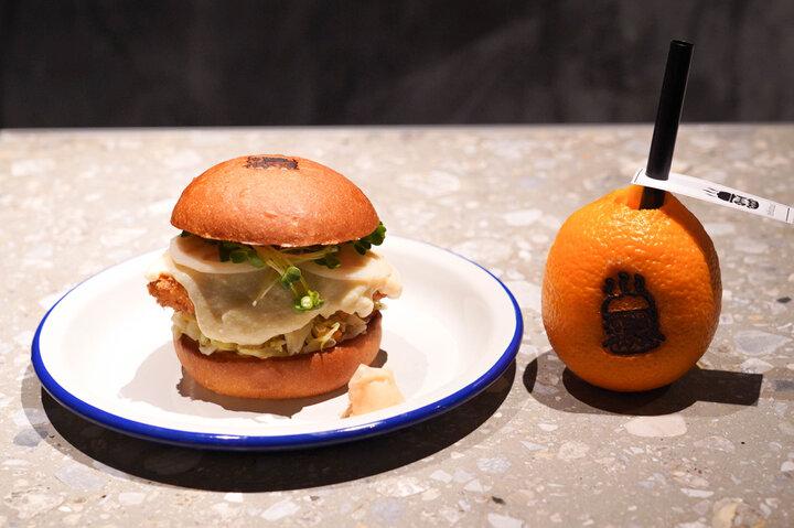和のお魚×ハンバーガーの新感覚!「deli fu cious」