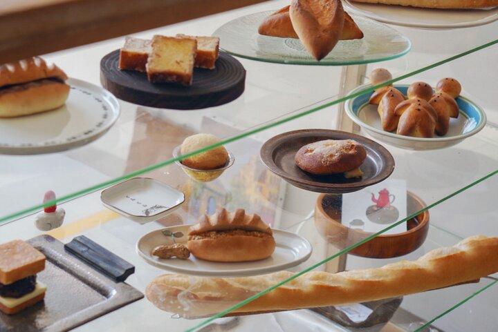 店主のセンスがキラリ!アートのように並ぶ20種類のパン