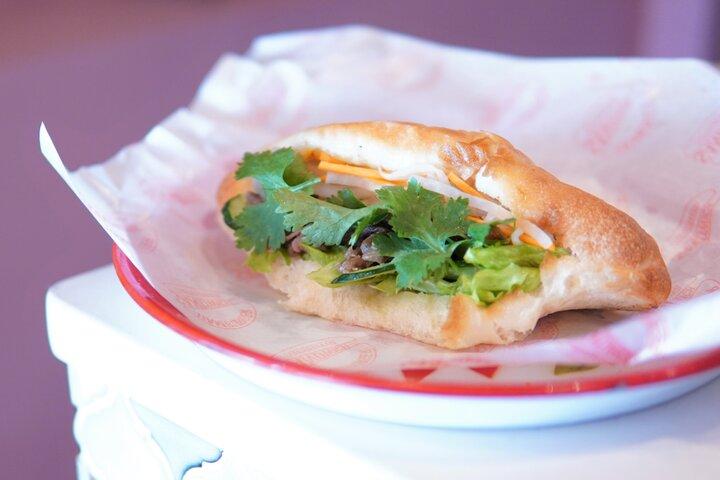世界を旅したオーナーのこだわりが並ぶパン屋さん。鎌倉「エリぱんの旅するバインミー」
