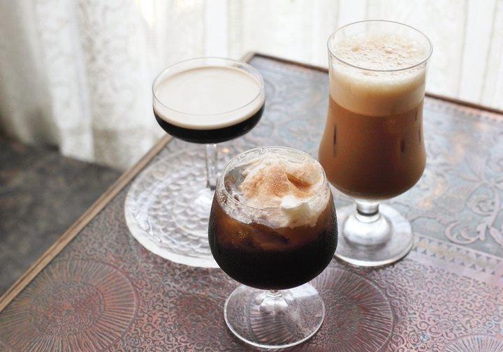 コーヒーの世界が広がる専門店「寄鷺館」