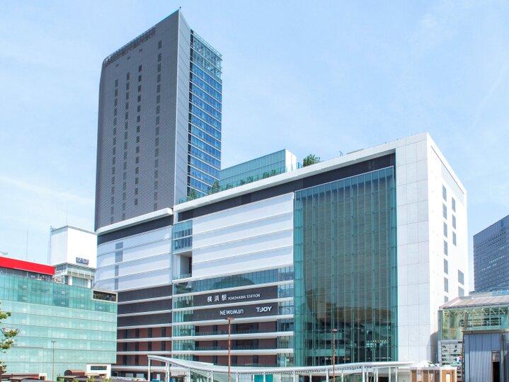 横浜駅直結のエリアに誕生した「未知なる、me。」を発見する場所