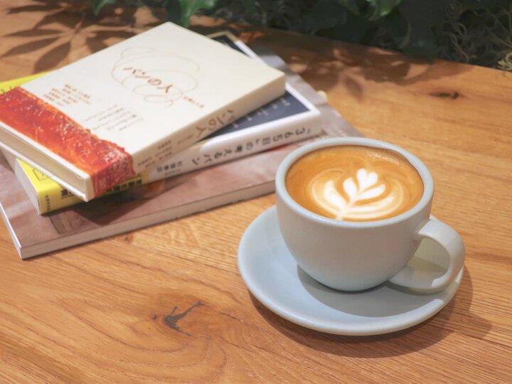 コーヒーとパンをゆっくりと味わえる「365日」のカフェ