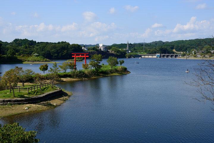 25の橋めぐりも楽しめる「亀山湖」