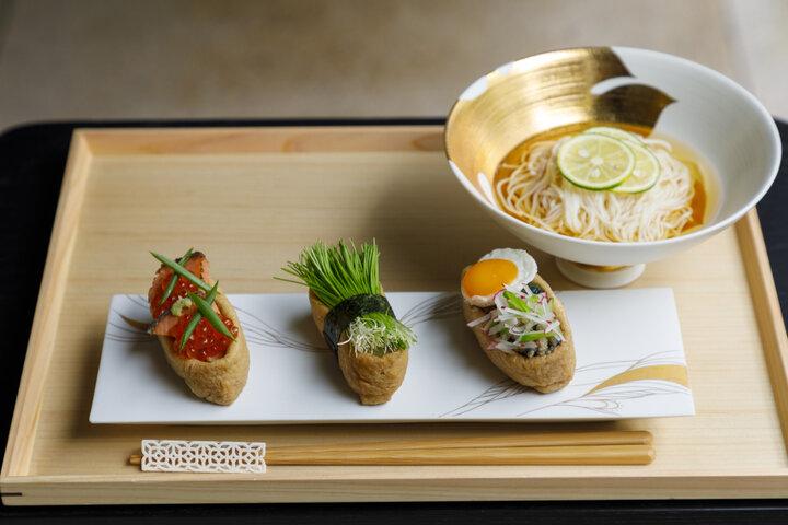 色とりどりのINARIがずらり!日本の魅力がぎゅっと詰まったカフェ&セレクトショップ
