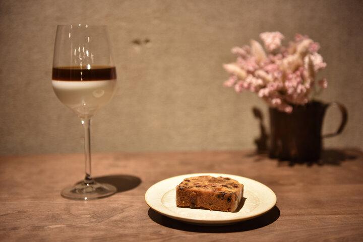 静かな時が流れるリラックス空間でこだわりの一杯を。レトロカフェ「Hummingbird coffee」