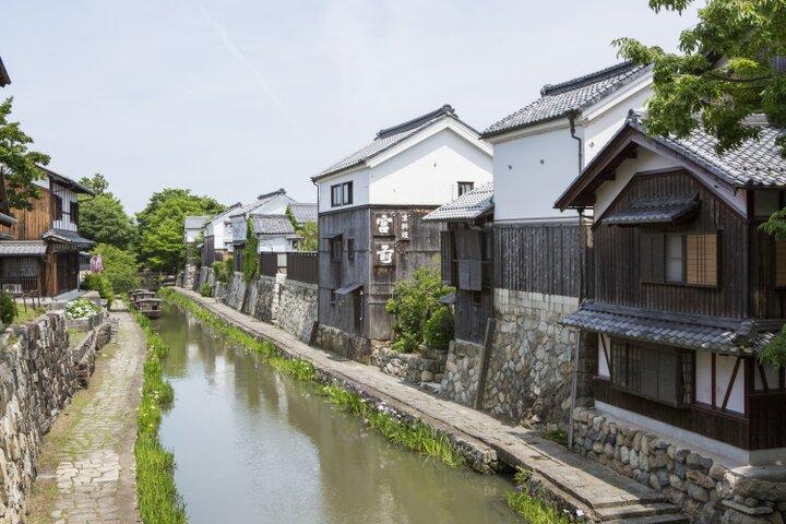 商家の街並みや水路が残る城下町「近江八幡」へ
