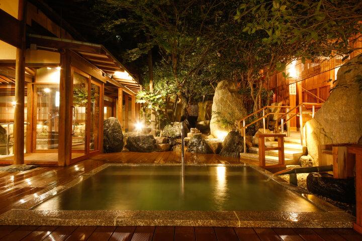 懐かしい湯の町風情が残る温泉郷「三朝(みささ)温泉」