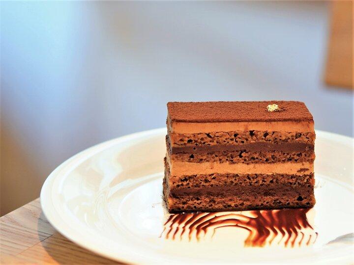 理論と技術が織りなすチョコレート菓子