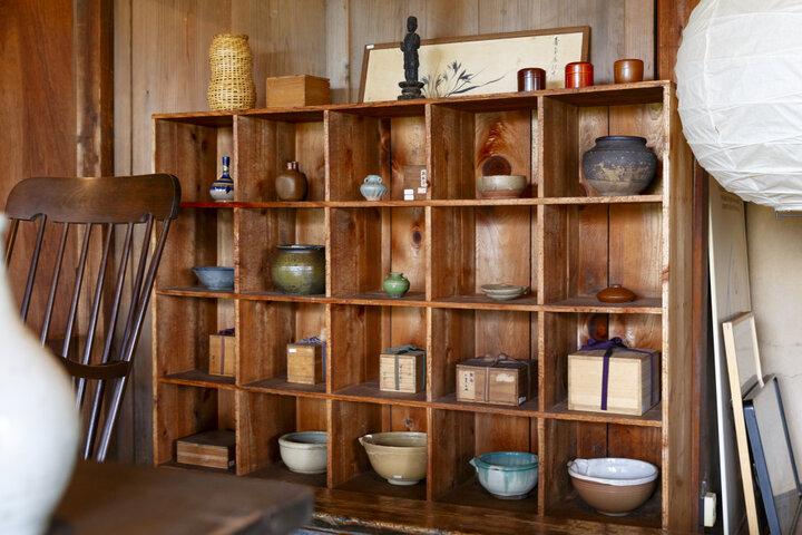 明治時代に建てられた古民家で営む「R antiques」