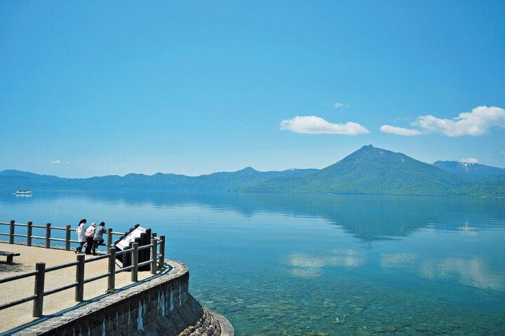 【3】車でのんびりドライブ。北海道で支笏湖ブルーを満喫