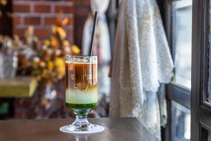 ノスタルジックな気分に浸れそう♪心斎橋の奥路地にある「リロ珈琲喫茶」