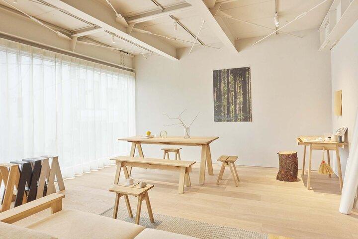2階は木の温もりを感じられる空間