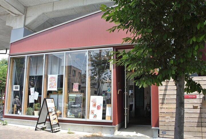 SAKUMACHI商店街の一角にあるお店