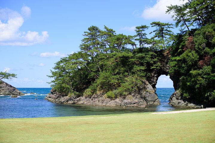【高浜町】若狭の自然美にふれる海辺の「城山公園」を散策