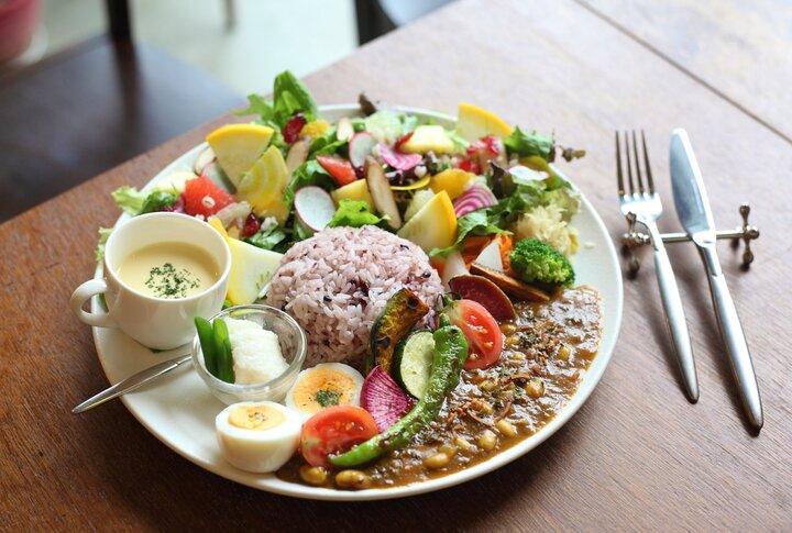 彩り美しい野菜づくしの料理にうっとり♪ 愛知の人気ビストロが手掛けるヘルシーカフェ「野菜日和」