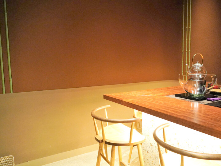 バーカウンターをしつらえた秘密の茶室