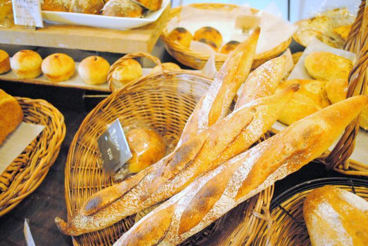 旬のフルーツで作った酵母が美味しさのヒミツ。パンの概念が変わる京都のベーカリー「アペリラ」