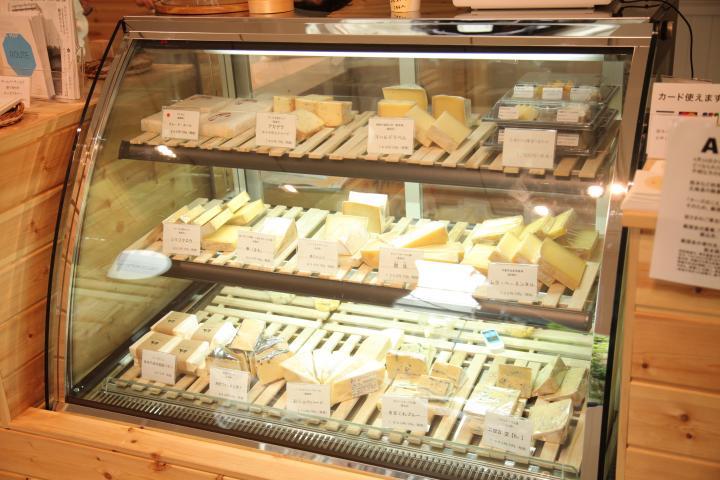 贅沢な生乳から作られるナチュラルチーズ