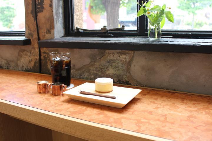 茶筒をイメージしたまあるいチーズケーキ