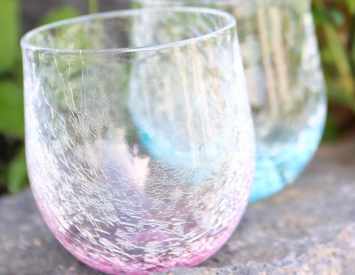 夏にぴったり。涼し気な印象の萩ガラス