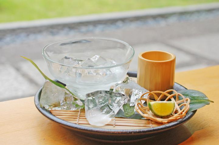 【第5位】すだちが香る、天然水のさわやかゼリー♪ 京都・室町の中庭がある町家カフェ「然花抄院」