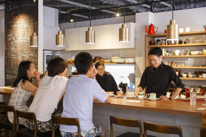 朝定食から本格コーヒーまで。約20人の店長が切り盛りする、京都のタイムシェアカフェ