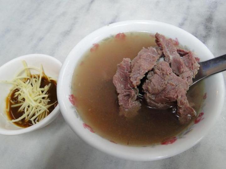 台南の定番朝食。「牛肉湯(ニョウロータン)」