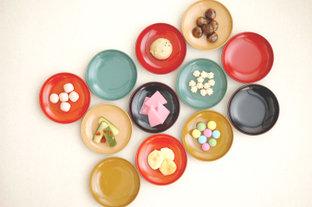毎日の食卓が華やかになる、北陸発のカラフルでシックな漆の器「aisomo cosomo」を取りいれてみませんか?