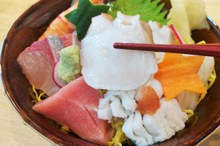 神戸駅から徒歩5分!明石直送の漁師さんが営む寿司屋の感動的な絶品ランチ