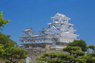 姫路城の知られざる魅力に迫る冬の旅。国宝6棟の特別公開とおいしいもの探し♪