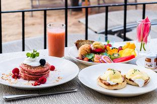 一日の始まりは気持ちのいい朝食を。ハワイ・ワイキキのモーニング4選