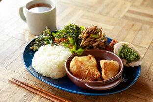 長野県諏訪市のごはん屋さん「あゆみ食堂」で味わう、地場産野菜たっぷりのワンプレートランチ