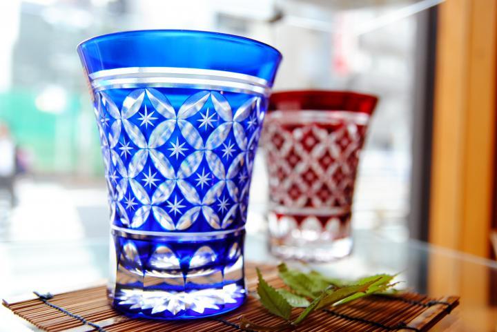 江戸切子の涼しげなグラスにうっとり♪ 職人の手仕事が見られる工房ショップ「すみだ江戸切子館」