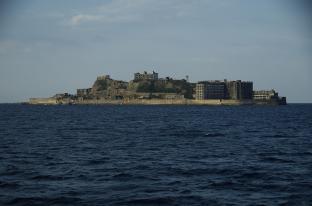 昭和の生活に思いをはせる、軍艦島へことりっぷ